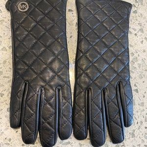 MICHEAL KORS LEATHER GLOVES🖤